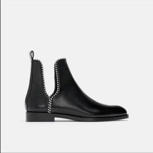 NWT!Zara studded ✨Ankle boots